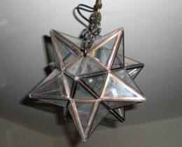 「エトワールライト(照明)」楽天1位のレトロゴシックな星の灯り