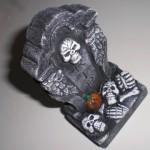 ハロウィン用墓石が壊れたのは呪い!?⇒100均クオリティでした