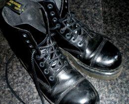 【ドクターマーチン】UNISEXに通年履ける!おすすめゴスブーツ