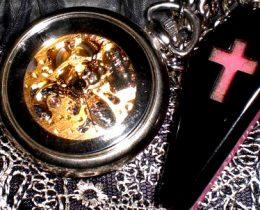 アンティークゴシック懐中時計おすすめデザイン。インテリアにも♪
